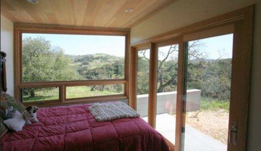 dormitorio cabaña, habitación cabaña, dormitorio con muchas ventanas, habitación muchas ventanas